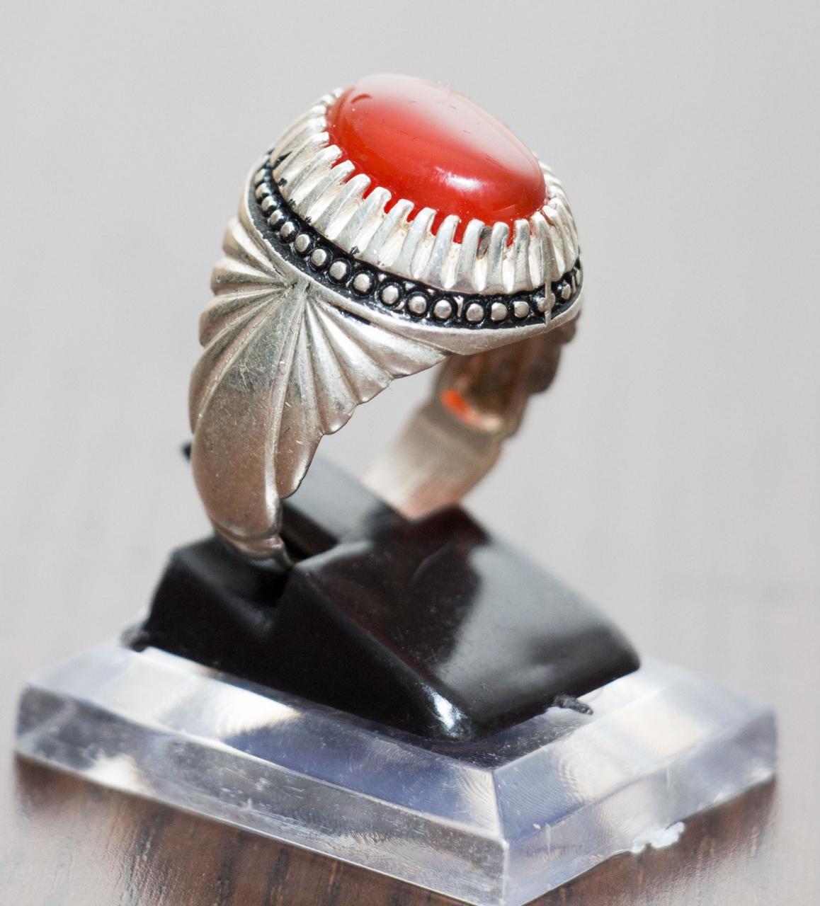 Aqiq Khorasani Silberfassung Herrenring runde Form