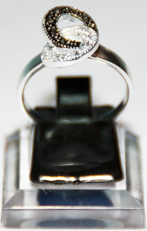 Frauenring - Silber mit Steinchen 8er Form